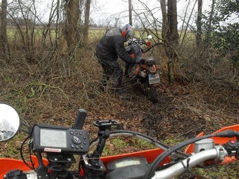 bikertech gps motorradhalterungen fahrradhalterungen tomtom navi garmin velo