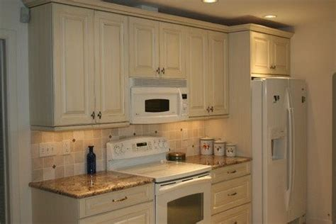 what color appliances with white cabinets antique white cabinets with white appliances for the 912 | bd7d59c88a942533906c9d4deba3778c