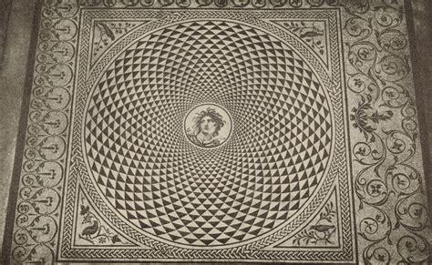 cat  roman mosaics