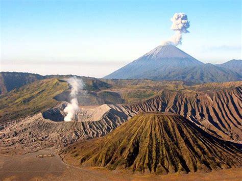 koleksi gambar pemandangan gunung indah gambar foto