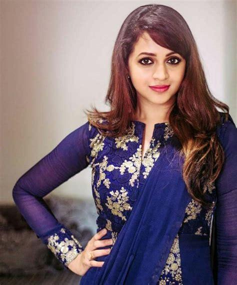 navel hair pics actress bhavana menon hot photoshoot navel images pics
