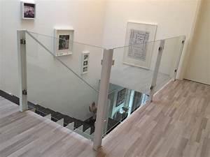 Treppengeländer Mit Glas : treppengel nder steelvoll ~ Markanthonyermac.com Haus und Dekorationen