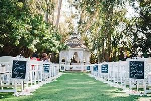10 Pretty Ways to Line Your Wedding Aisle