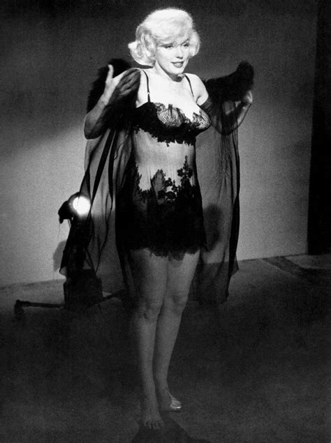 marilyn monroe   black silk cocktail dress