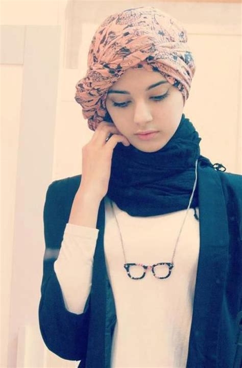 15 Cute and Best Hijab Styles for Round Faces ...