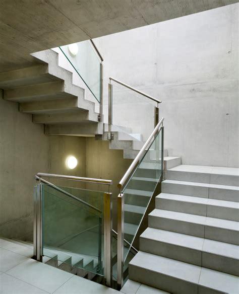 Treppengeländer Gemauert Bilder by Treppengel 228 Nder Befestigen 187 Diese M 246 Glichkeiten Gibt Es