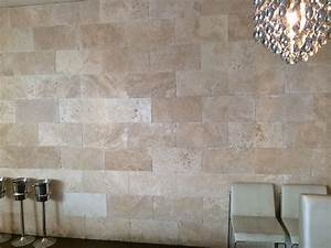 Fliesen An Wand : travertin natursteinfliesen crema antik getrommelt f r ~ Michelbontemps.com Haus und Dekorationen
