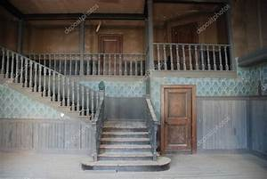 Maison Americaine Interieur : int rieur d 39 une vieille maison am ricaine abandonn e ~ Zukunftsfamilie.com Idées de Décoration