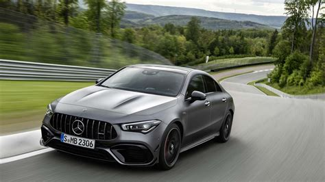 mercedes amg cla unveiled big power   small package