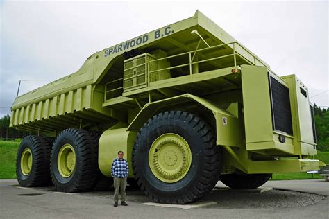 Largest Dump Truck | Living Life in Glorious Colour