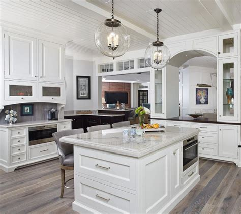 classic gambrel style shingle home home bunch interior design ideas