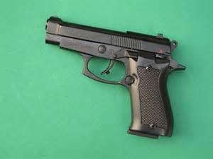 Le Pistolet by Essai Armes Pistolet D Alarme Armi Sport Mod 232 Le 85