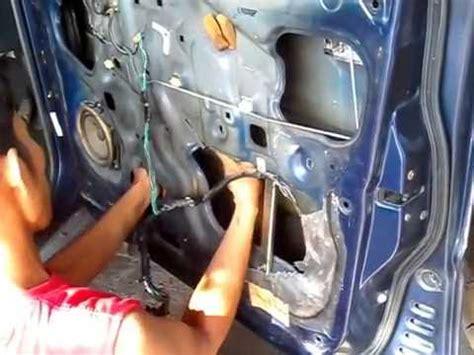 memperbaiki central lock mobil timor doovi