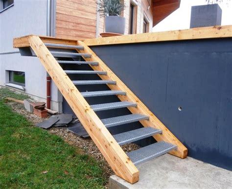 escalier en caillebotis metallique escalier de maison exterieur kirafes