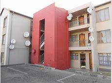2 Bedroom Apartment to Rent in Fleurhof Property to rent