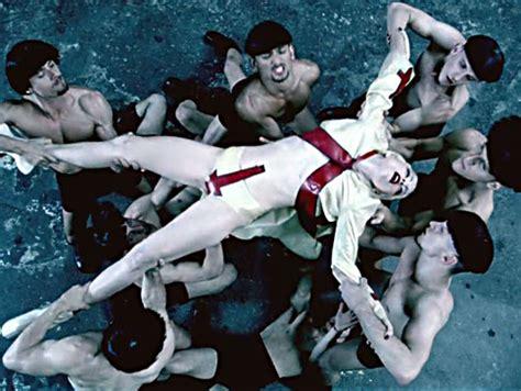 Le Lade Di Sale by Gaga Alejandro Remembering Il 2010