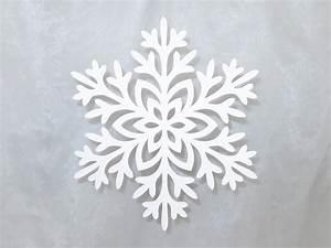 Schneeflocken Basteln Vorlagen : gro e schneeflocken bastelanleitung mit vorlagen ~ Frokenaadalensverden.com Haus und Dekorationen