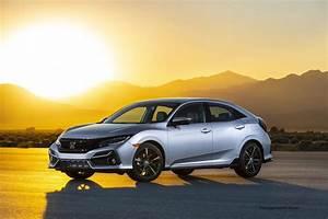 Redesigned 2020 Honda Civic Hatchback Gets Fresh Exterior