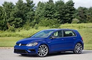 Volkswagen Golf 2018 : 2018 vw golf gti r wagon and hatch get pricing and videos autoevolution ~ Melissatoandfro.com Idées de Décoration