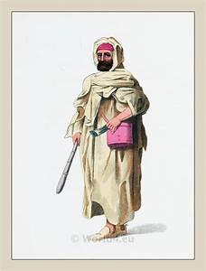 Traditional Arab men dress, Traditional Arabian Costumes ...