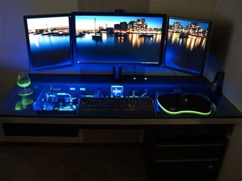 casemod un ordinateur dans un bureau