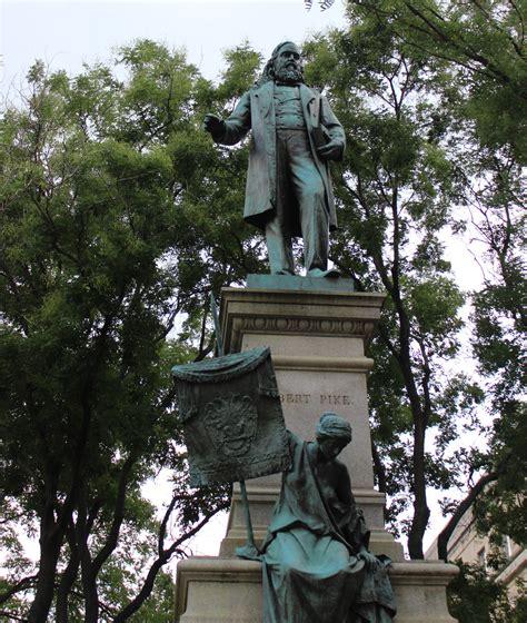 disputed dc statue raises questions  public symbols