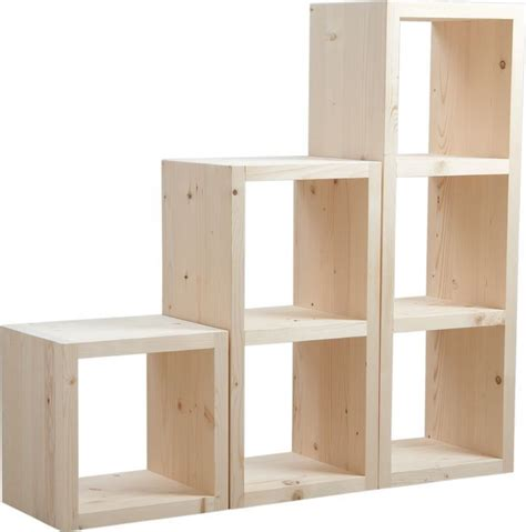 wandgestaltung wohnzimmer etag re en bois brut avec 9 casiers