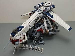 Star Wars Lego 10195 Republic Dropship with AT-OT | Star ...