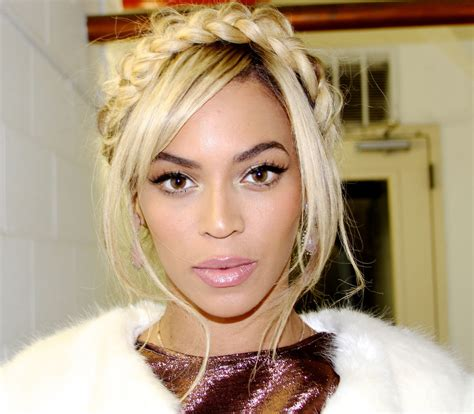 The Secrets to Looking Flawless From Beyonce's Makeup ...