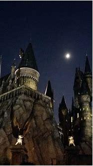 Hogwarts at Night - Lili on the Loose