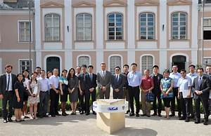 European Commission Representative and Chinese Delegation ...