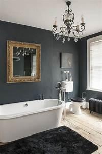 Kronleuchter Für Badezimmer : 38 beispiele f r badezimmer in schwarz ~ Markanthonyermac.com Haus und Dekorationen