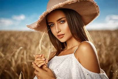 Hat Attractive 4k Wearing Charming Wallpapers Field