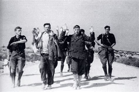 Italijani fasisti sprovode zarobljene ustase kod S Picture