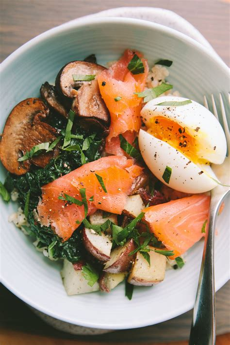 cuisine minute smoked salmon breakfast bowl with a 6 minute egg smoked