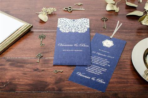 elegante hochzeitspapeterie mit ornament  dunkelblau und