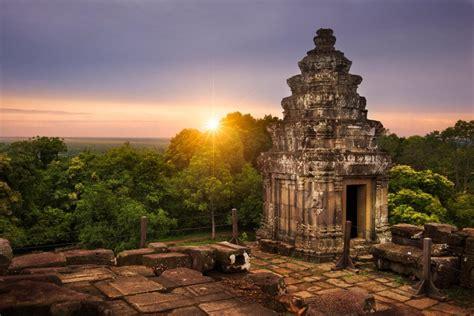 limits put  place  stop tourists ruining angkor sunsets