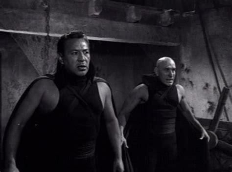 Just Screenshots: Santo Versus the Vampire Women (1961)