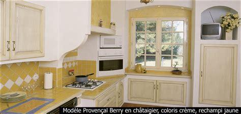 cuisine fabricant modèle provençal berry en châtaigier coloris crème