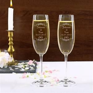 Sektgläser Hochzeit Gravur : sektgl ser 2 edle gl ser in die die namen des brautpaares sowie das datum der hochzeit ~ Sanjose-hotels-ca.com Haus und Dekorationen