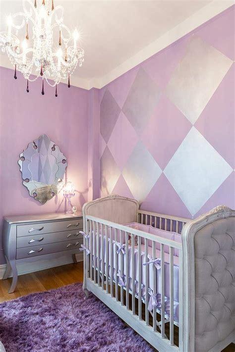deco peinture chambre bebe couleur chambre bébé osez le violet