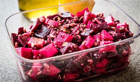 Receptes.lv - Biešu salāti ar sieru un valriekstiem
