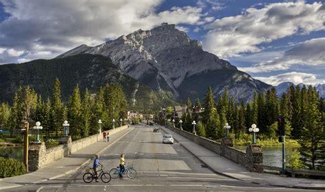 Roaming the Rockies   Canada Motorhome Holidays   Canadian