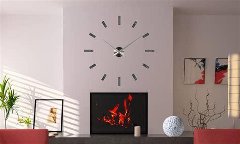 horloge murale avec galets et marbre galets deco design