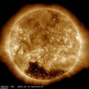 Nasa reveals huge 'coronal hole' on the sun's solar ...