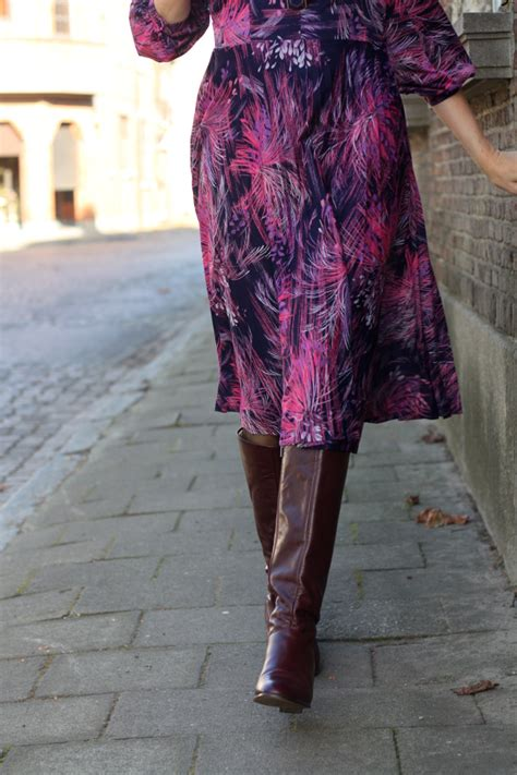 Floral 70s Dress Vintage Boots - THE STYLING DUTCHMAN.
