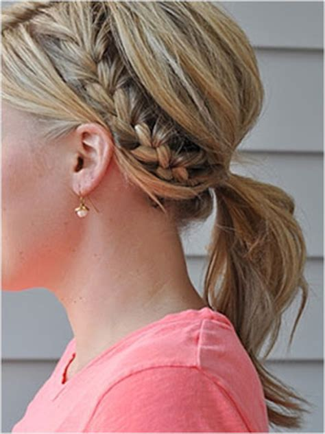 15 easy hairstyles that pair well with a natural makeup look