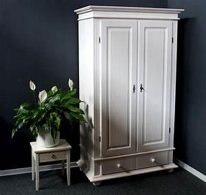 Massivholz Kleiderschrank Weiß : massivholz kleiderschrank dielenschrank ~ Lateststills.com Haus und Dekorationen