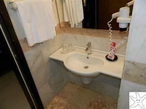 Lavabo Rectangulaire étroit : lavabo etroit foto di club marmara yali gumuldur ~ Edinachiropracticcenter.com Idées de Décoration