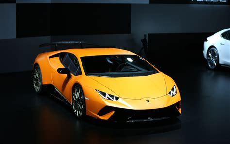 Женева2017  Lamborghini Huracan Performante